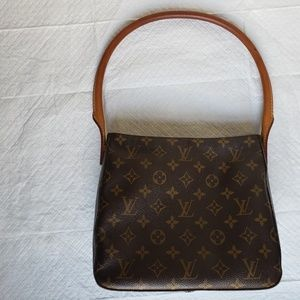 100% Authentic!  LOUIS VUITTON Looping MM Bag